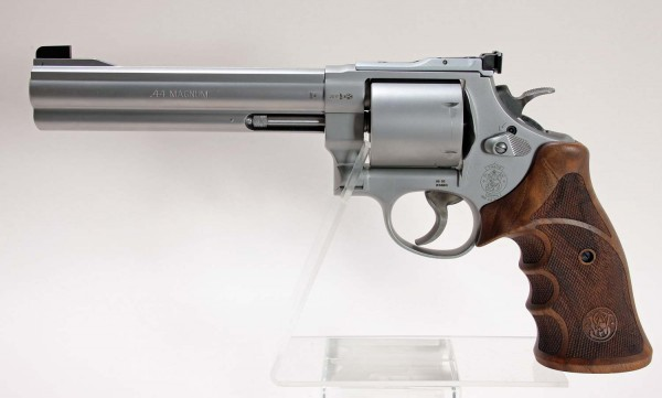 "S&W Revolver Mod. 629 Classic Champion 6 1/2"" Kal .44 Mag."